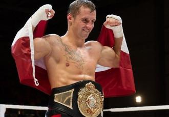 Латвійський боксер Майріс Бріедіс (23-1, 18 KO) ек...