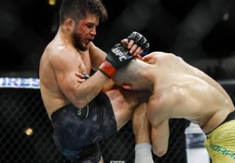 Сехудо нокаутував Мораеса і здобув титул чемпіона UFC (ВІДЕО)