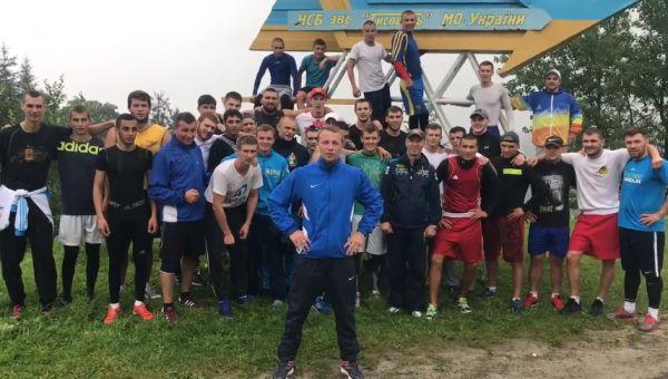 Потужна підтримка! Національна збірна України з боксу обіцяє тримати кулаки за Усика (ВІДЕО)