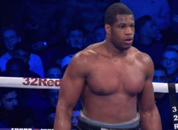 Форман: У Дюбуа велике майбутнє, він зможе стати одним з кращих боксерів