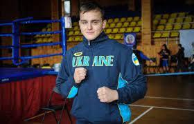 Український боксер важкої ваги Роберт Мартон вдало...