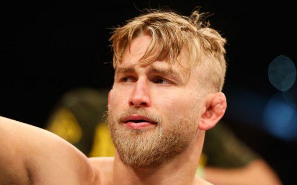 Густафссон готовий повернутися 6 жовтня на турнірі UFC 229