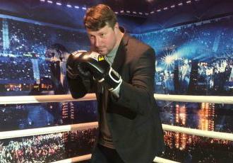 Кадр Дня. Дворазовий чемпіон НБА з України став боксером