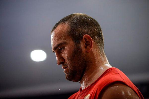 Екс-чемпіона світу в першій важкій вазі Мурат Гасс...
