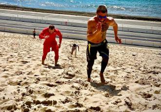 Ломаченко готується до Кролли на березі океану (ФОТО)