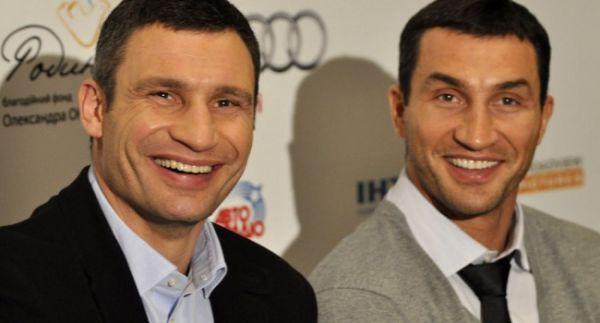 Віталій Кличко розповів про заборону мами битися з братом (ВІДЕО)