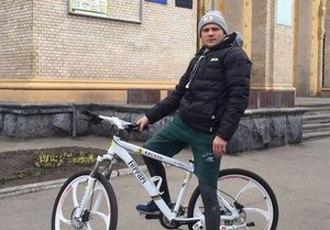 Кадр Дня: Берінчик їздить на велосипеді
