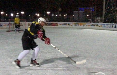 Ломаченко грає в хокей (ФОТО)