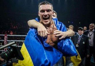 Усик українською мовою привітав з Новим роком (ВІДЕО)