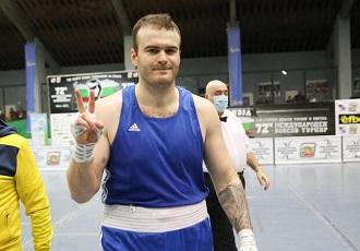 Український суперважковаговик Цотне Рогава, здобув...