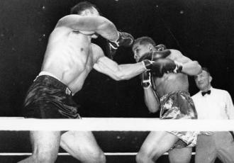 25 червня 1935 року 21-річний Джо Луїс (19-0, 15 К...