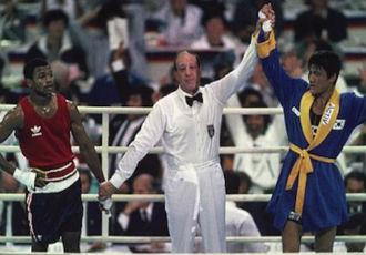 Ретро. Олімпіада в Сеулі 1988 року: Рой Джонс - Пак Сіхун