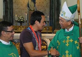 Маркес побував у церкві в Манілі