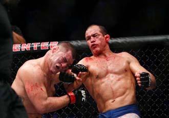 Кривавий спорт: шоу UFC 166 у фотографіях