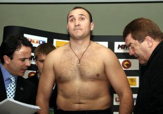Олександр Устінов зустрінеться із Денисом Бахтовим