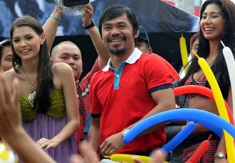 Кадр дня: Пакьяо веселиться у Манілі