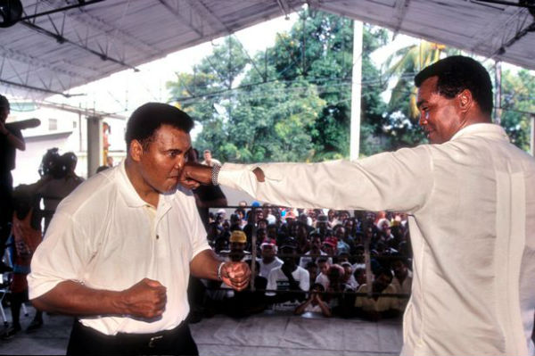 boxinglegendmuhamadalilandcubanboxinglegendteofilostevenson.jpg (56.81 Kb)