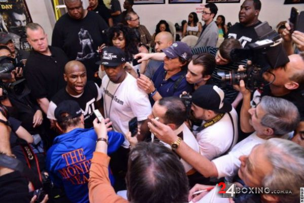floyd-mayweather-workout-14.jpg (52 Kb)