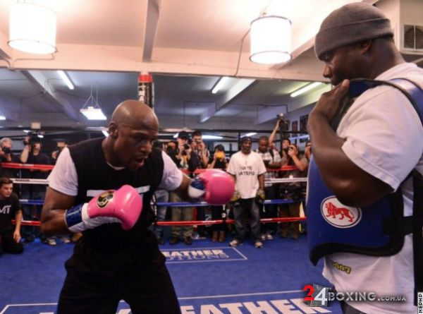 floyd-mayweather-workout-18.jpg (44.08 Kb)