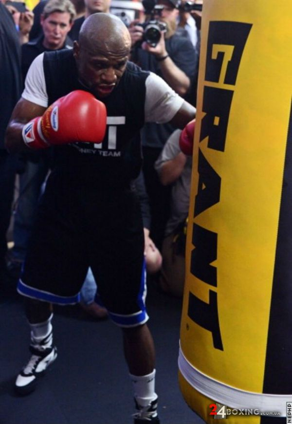 floyd-mayweather-workout-20.jpg (54.76 Kb)
