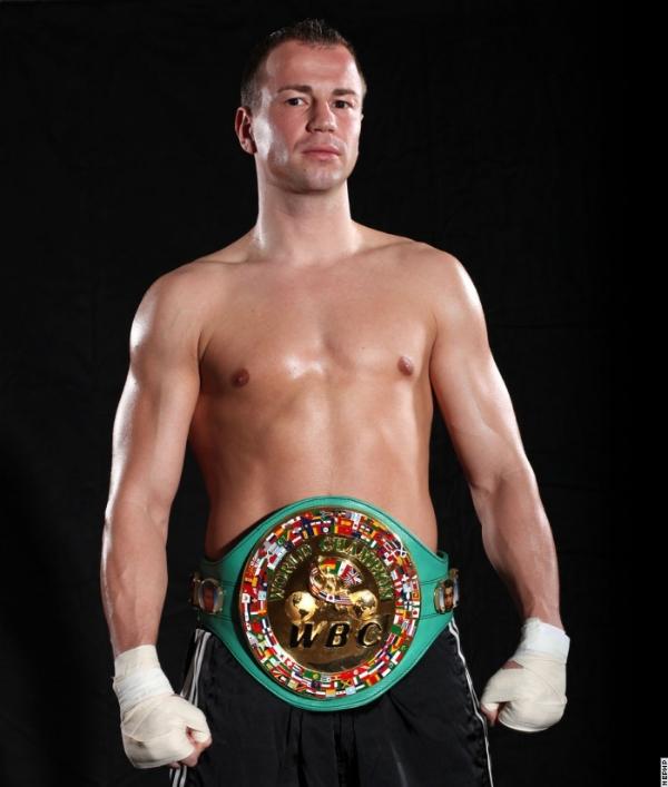 Непереможний чемпіон світу WBC у середній вазі Себ...